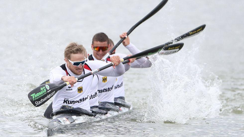 Ein Totalschaden an ihrem Viererkajak auf der Reise nach Tokio hat die deutsche K4-Crew um Routinier Ronald Rauhe kurz vor den Olympischen Spielen geschockt.