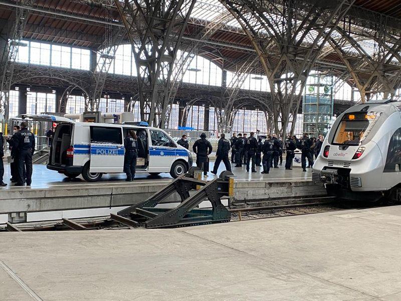 Kontrollen finden auch in einem Zug aus Eisenach statt © Redaktion