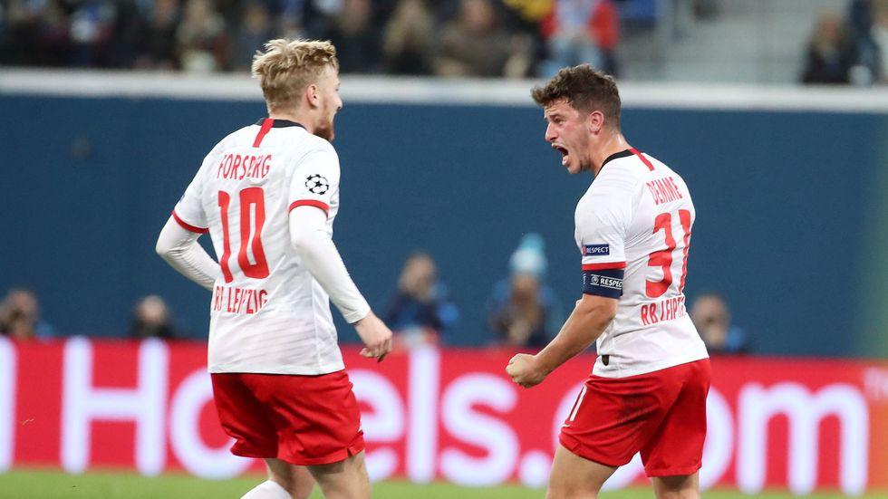 Diego Demme trifft zum 0:1 und jubelt mit Emil Forsberg, Foto: (c) imago images / Picture Point LE