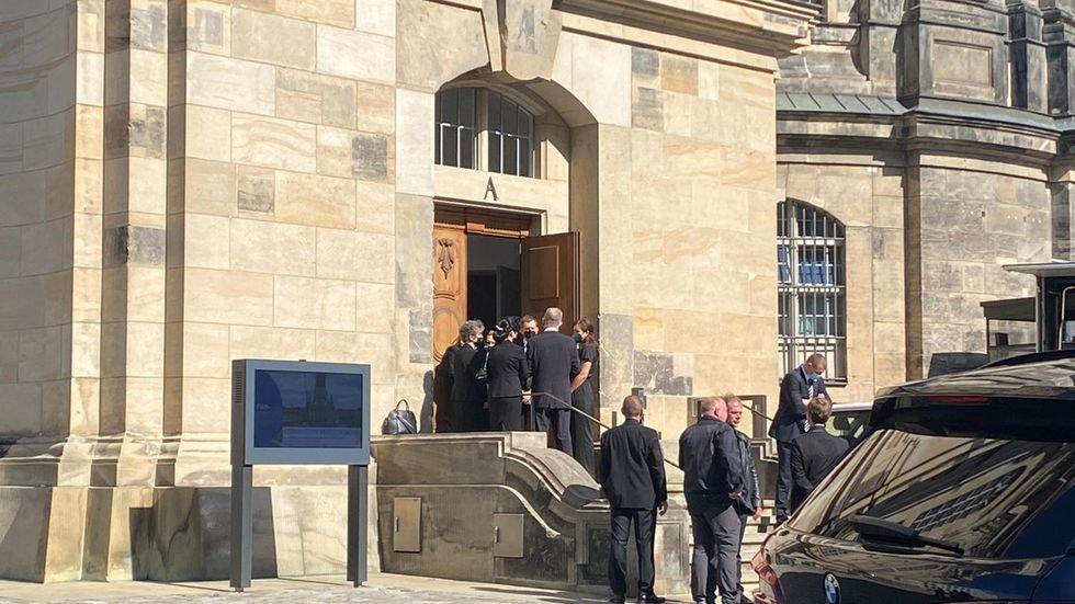 Der Ministerpräsident und seine Frau Annett Hofmann sind unter den geladenen Gästen